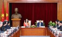 Kulturminister Nguyen Ngoc Thien emfängt Hessens Ministerin für Wissenshaft und Kunst Angela Dorn