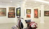Ausstellung der Ölgemälde in Hanoi