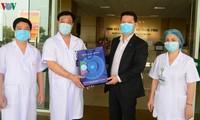 VOV übergibt knapp 25.000 Euro Spenden der Unternehmen an Mediziner, die gegen Covid-19 kämpfen