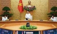 Premierminister Nguyen Xuan Phuc leitet die Online-Konferenz zur Auszahlung der öffentlichen Investition