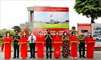 """Fotoausstellung über """"Ho Chi Minh Mausoleum-Ewige Blüte"""""""