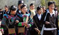 Die Kleidung der ethnischen Minderheit Mong in Sa Pa