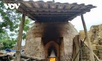 Herstellung von Dachziegeln der Volksgruppen Tay und Nung in der Provinz Lang Son
