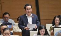 Abgeordnete diskutieren soziale und wirtschaftliche Lage des Landes