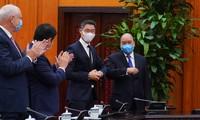 Premierminister Nguyen Xuan Phuc empfängt Philipp Rösler