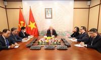 KPV-Generalsekretär, Staatspräsident Nguyen Phu Trong telefoniert mit 1. Sekretär KP-Kubas Raul Castro