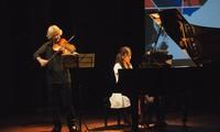 """Abendkonzert """"Wie Freunde"""" des berühmten japanischen Dirigenten Honna Tetsuji"""