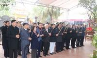 Feier zum 435. Todestag von Nguyen Binh Khiem