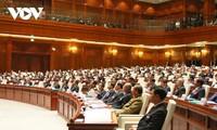 Vietnamesische Spitzenpolitiker gratulieren laotischen Amtskollegen