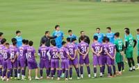 Vietnamesische Auswahl-Fußballmannschaft beginnt mit Training