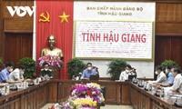 Vizepremierminister Vu Duc Dam fordert Hau Giang auf, die Lage der Pandemie gut unter Kontrolle zu bringen