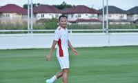 Trong Hoang lässt seine Goldmedaille für umgerechnet fast 7500 Euro versteigern