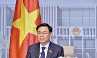 Parlamentspräsident Vuong Dinh Hue gratuliert der Türkei und Tschechien zum Nationalfeiertag