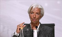 IMF ກ່າວເຕືອນຄວາມບໍ່ລົງລອຍກັນດ້ານການຄ້າເຮັດໃຫ້ແງ່ຫວັງເຕີບໂຕເສດຖະກິດຖືກມືດມົວ