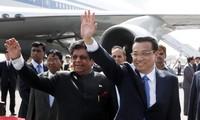 Chinese Premier Li Keqiang visits India