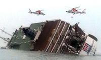 South Korean ferry disaster: 18 died, 278 missing