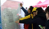 South Korea ferry disaster death toll continues to increase