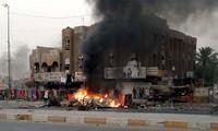 Bombs in Iraq kill and injure 100