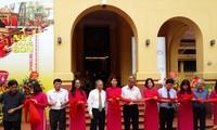 Presentan objetos de madera lacados antiguos en Hanoi
