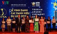 Honran a individuos y colectivos sobresalientes de turismo vietnamita