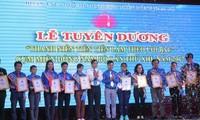 Honran a jóvenes sobresalientes en seguimiento de enseñanzas de Ho Chi Minh