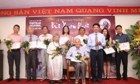 """Entregan premios del concurso """"Bui Xuan Phai - Por el amor a Hanói"""""""