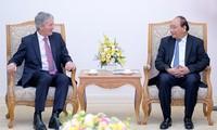 Vietnam y Nueva Zelanda determinados a fortalecer cooperación comercial