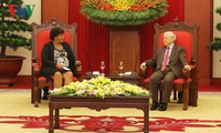 Líder partidista vietnamita recibe a la dirigente cubana