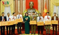 Honran a agricultores sobresalientes de Vietnam