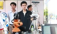 Jóvenes vietnamitas abogan por creatividad en producción y negocios
