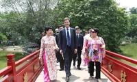 Visita del premier holandés a Vietnam contribuirá a estrechar nexos bilaterales
