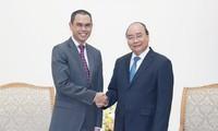 Primer ministro vietnamita recibe al saliente embajador de Malasia