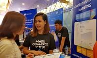Cientos de empresas vietnamitas participan en foro de mercadeo en línea 2019