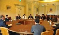 Concluye visita a Reino Unido de delegación partidista vietnamita