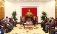 Estados Unidos y Vietnam dispuestos a reforzar la cooperación en defensa