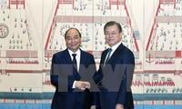 Vietnam y Corea del Sur acuerdan elevar el intercambio comercial a 100 mil millones de dólares