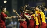 Primer ministro vietnamita felicita a equipos de fútbol del país participantes en SEA Games 30