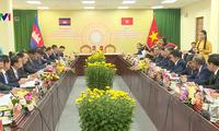 Vietnam y Camboya fortalecen cooperación bilateral
