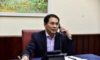 Autoridad vietnamita dialoga con pares extranjeros sobre Covid-19