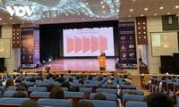 Debaten medidas para mantener el crecimiento económico de Vietnam en medio del covid-19