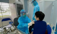 Ministerio de Salud Pública de Vietnam distribuye el segundo lote de vacunas contra el covid-19