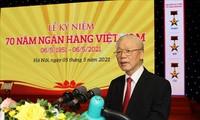 Líder del Partido Comunista de Vietnam exhorta mayores aportes del sector bancario al desarrollo económico