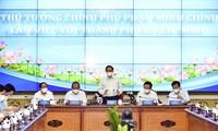 Primer ministro vietnamita trabaja con las autoridades de Ciudad Ho Chi Minh para promover el desarrollo local