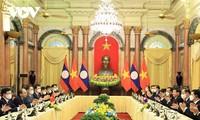 Presidente vietnamita recibe al máximo dirigente de Laos