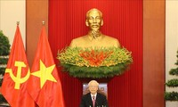 Máximo dirigente de Vietnam debate con el líder del Partido Comunista de Cuba sobre las relaciones bilaterales