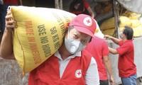 Cruz Roja de Vietnam moviliza más asistencia social a la lucha contra el covid-19