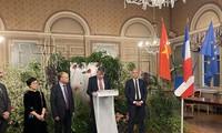 Vietnam fomenta intercambios económicos y culturales con localidades francesas
