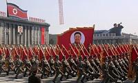 Norcorea conmemora centenario del nacimiento de Kim Il Sung con desfile militar