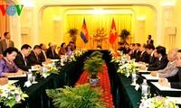 Prosiguen actividades del presidente del Parlamento camboyano en Vietnam