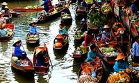 Mercado flotante de Cochinchina en el seno de la capital